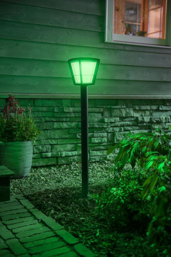 Philips Hue Econic buitenlantaarn met groen licht